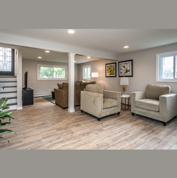 Paramount remodeling inc for Interior home renovations inc